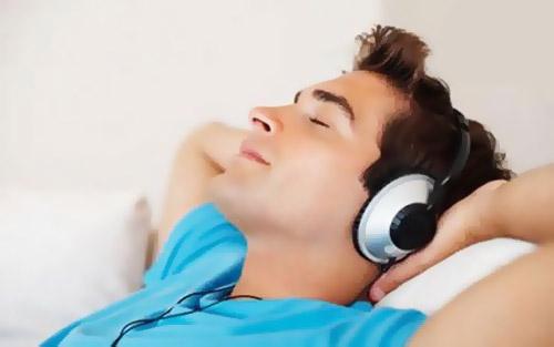 گوش کردن اهنگ